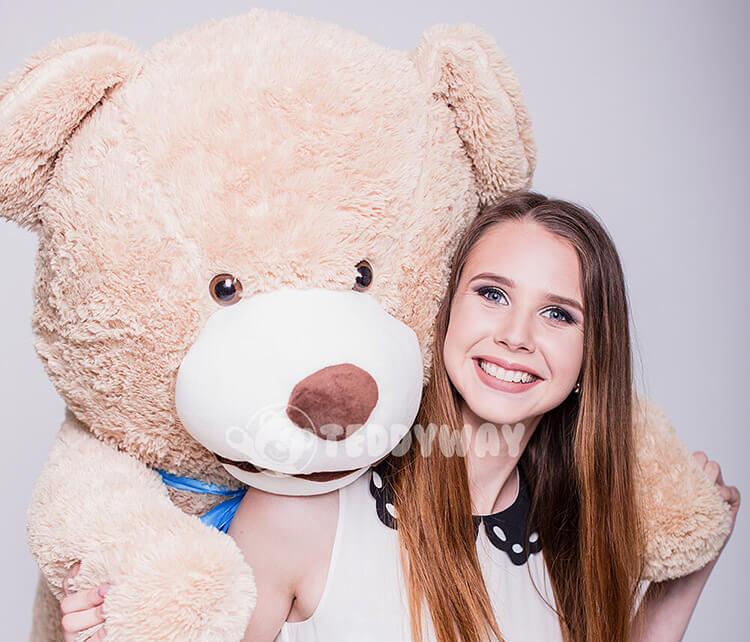 Gift for girlfriend - giant teddy bear